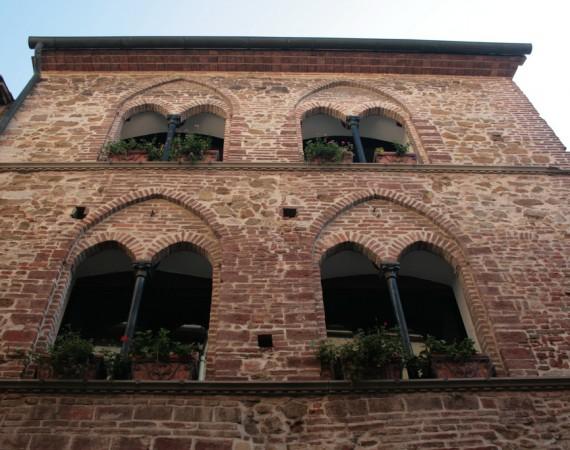 MULLIONED HOUSE – Piombino
